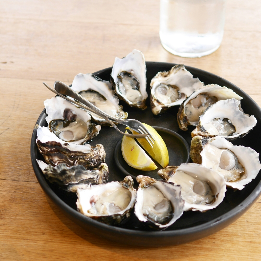 Fresh raw oysters - photo#23