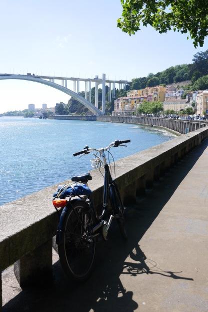 Cycling to Foz do Duoro (Porto)