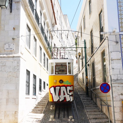 Tram (Lisbon)